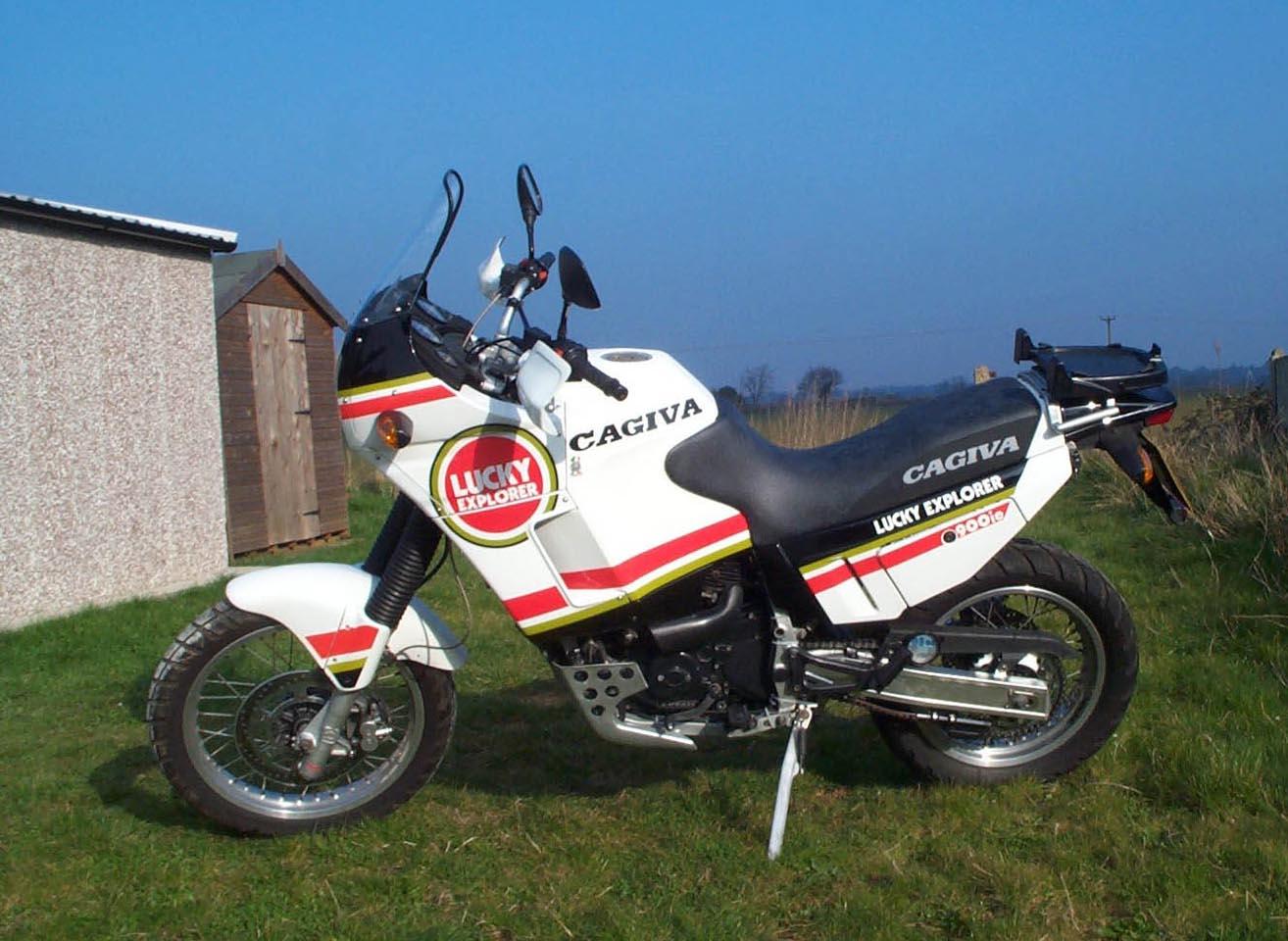 PAK-900ie-01