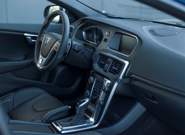 Volvo V40 R-Design - model year 2016, interior