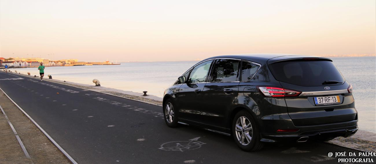 Ford S-MAX (11)