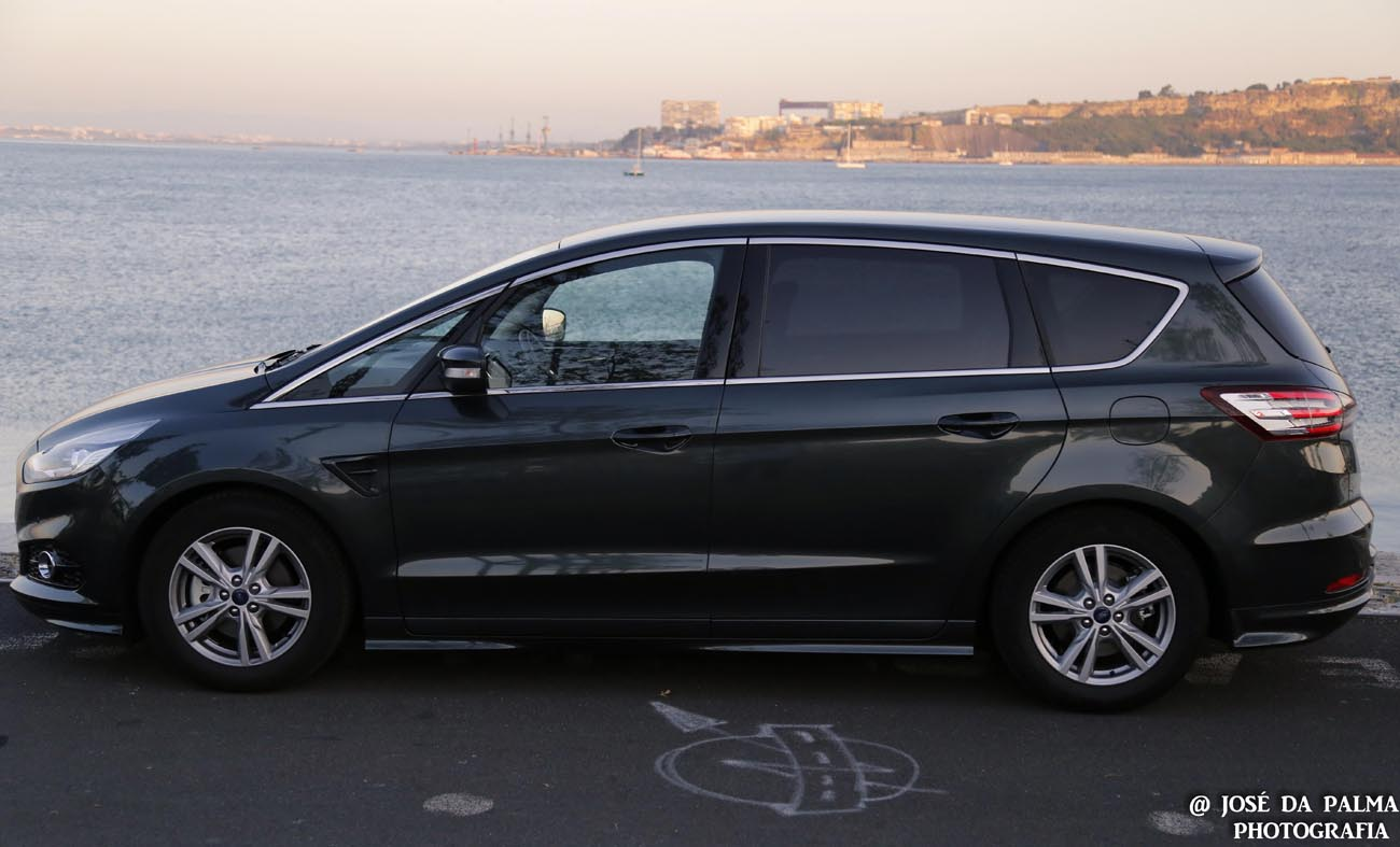 Ford S-MAX (14)