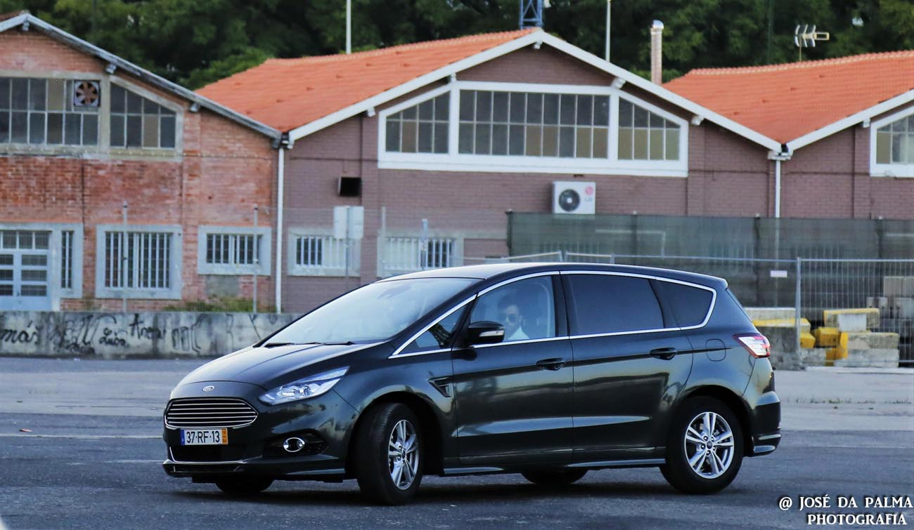 Ford S-MAX (15)