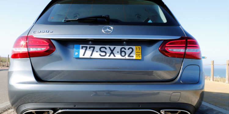 Mercedes C350E Plug-in Hybrid: Imponência Ecológica! 65