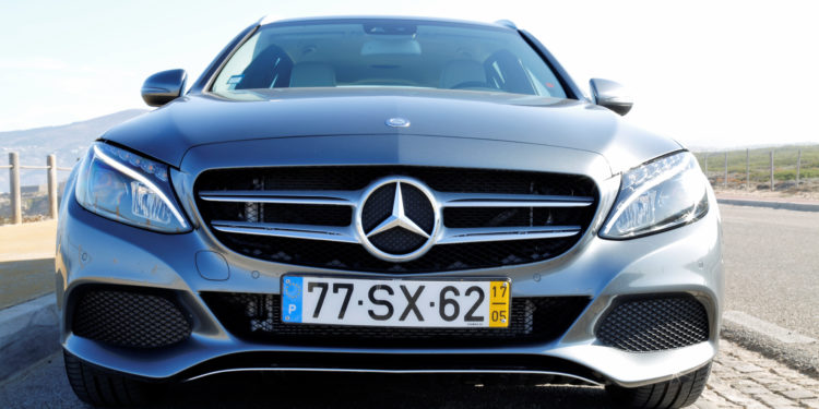 Mercedes C350E Plug-in Hybrid: Imponência Ecológica! 66
