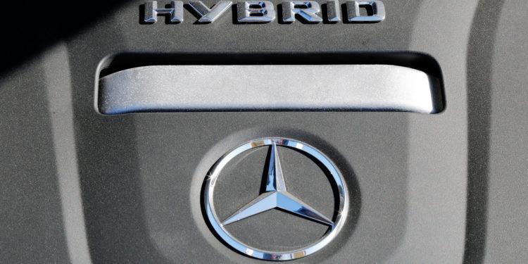 Mercedes C350E Plug-in Hybrid: Imponência Ecológica! 59