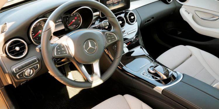 Mercedes C350E Plug-in Hybrid: Imponência Ecológica! 60