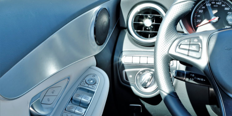 Mercedes C350E Plug-in Hybrid: Imponência Ecológica! 55
