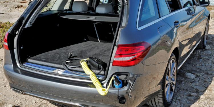 Mercedes C350E Plug-in Hybrid: Imponência Ecológica! 48
