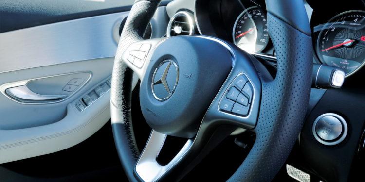 Mercedes C350E Plug-in Hybrid: Imponência Ecológica! 41