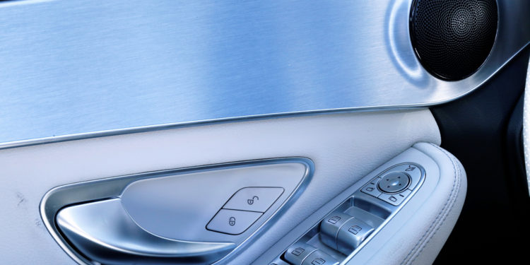 Mercedes C350E Plug-in Hybrid: Imponência Ecológica! 39