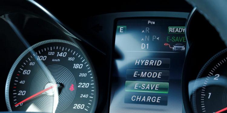 Mercedes C350E Plug-in Hybrid: Imponência Ecológica! 34