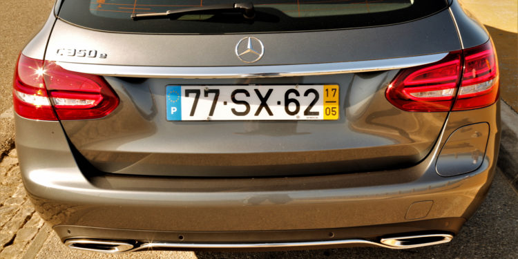 Mercedes C350E Plug-in Hybrid: Imponência Ecológica! 69