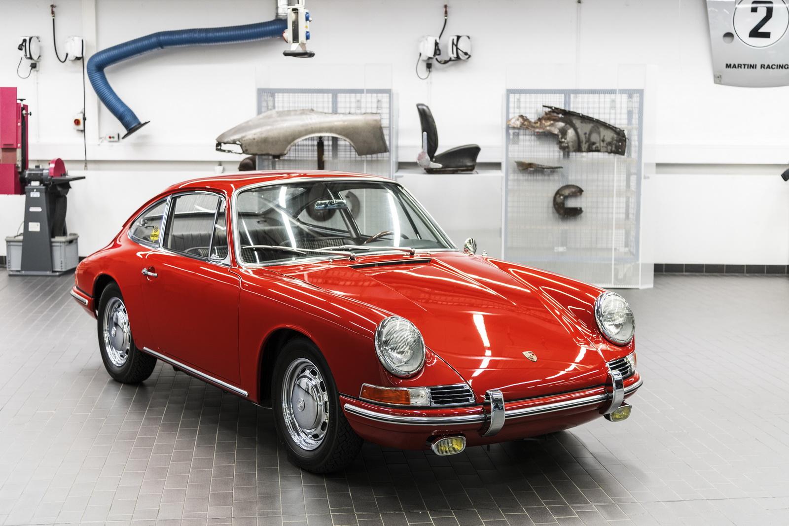 Este 233 O Porsche 911 Mais Antigo Do Museu De Estugarda Carzoom
