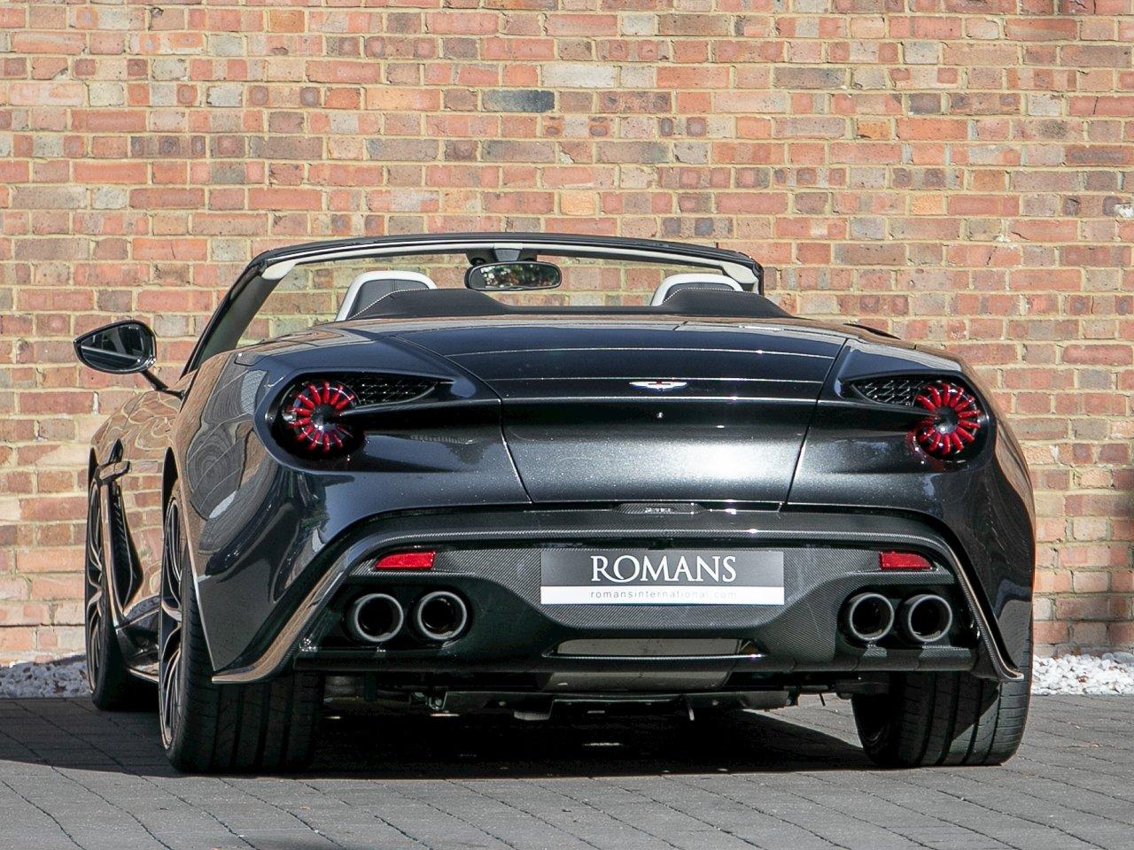 Este Aston Martin Vanquish Zagato Volante Rarissimo Vai A Leilao Carzoom