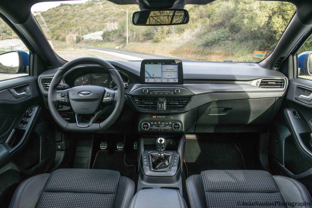 Ford Focus ST Line 1.5 TDCi: O melhor do segmento? 23