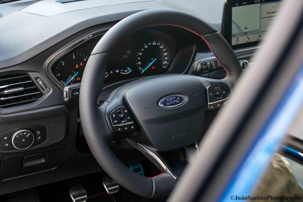Ford Focus ST Line 1.5 TDCi: O melhor do segmento? 24