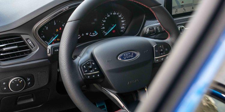 Ford Focus ST Line 1.5 TDCi: O melhor do segmento? 49