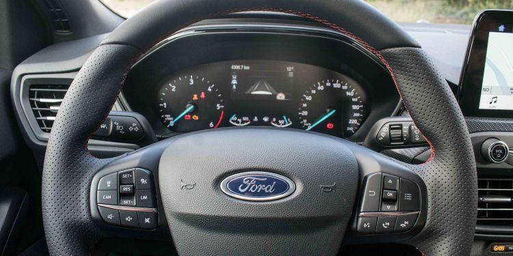 Ford Focus ST Line 1.5 TDCi: O melhor do segmento? 47