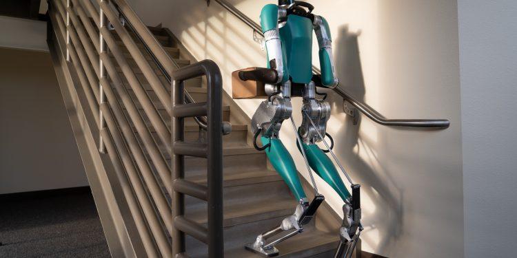 Ford e Agility Robotics juntas no desenvolvimento de robôs que ajudam humanos! 13