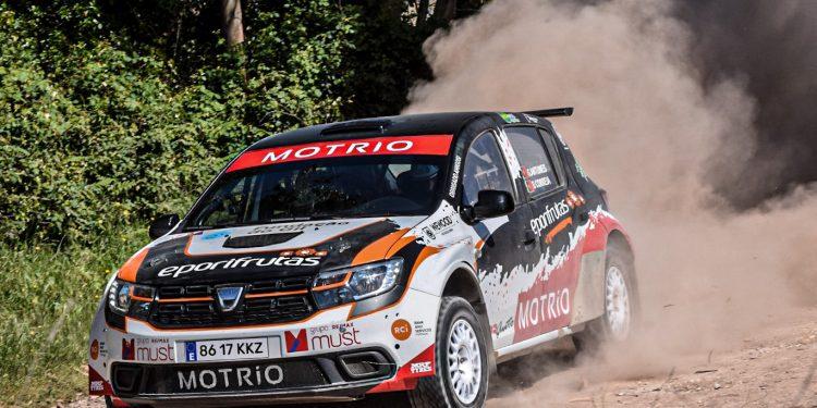 Gil Antunes e Diogo Correia testaram o Dacia Sandero R4! Nós estivemos lá! 22