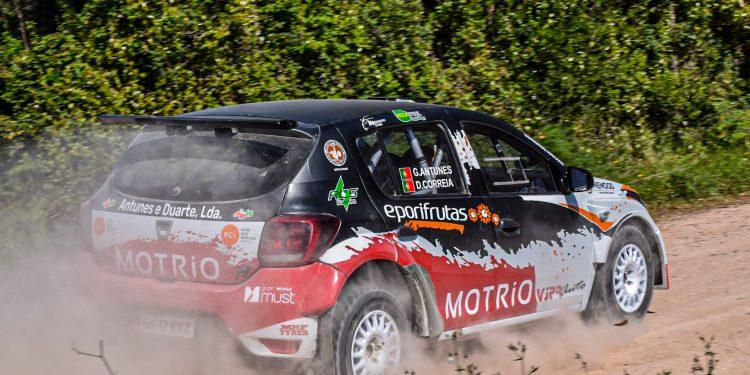 Gil Antunes e Diogo Correia testaram o Dacia Sandero R4! Nós estivemos lá! 21