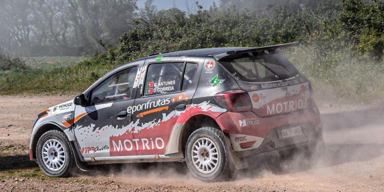 Gil Antunes e Diogo Correia testaram o Dacia Sandero R4! Nós estivemos lá! 20