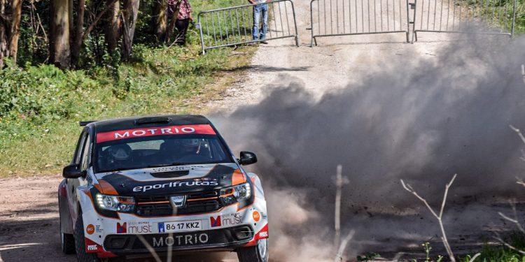 Gil Antunes e Diogo Correia testaram o Dacia Sandero R4! Nós estivemos lá! 16
