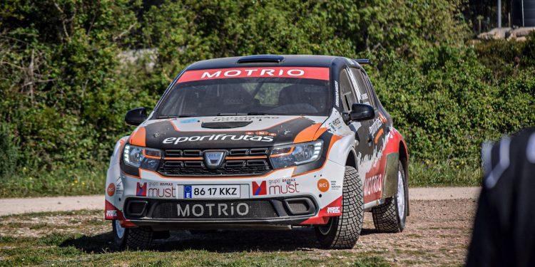 Gil Antunes e Diogo Correia testaram o Dacia Sandero R4! Nós estivemos lá! 14
