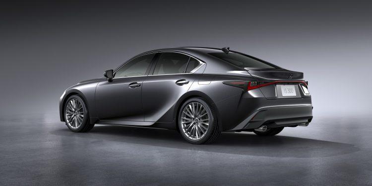lexus is recebe um facelift profundo para 2021  carzoom
