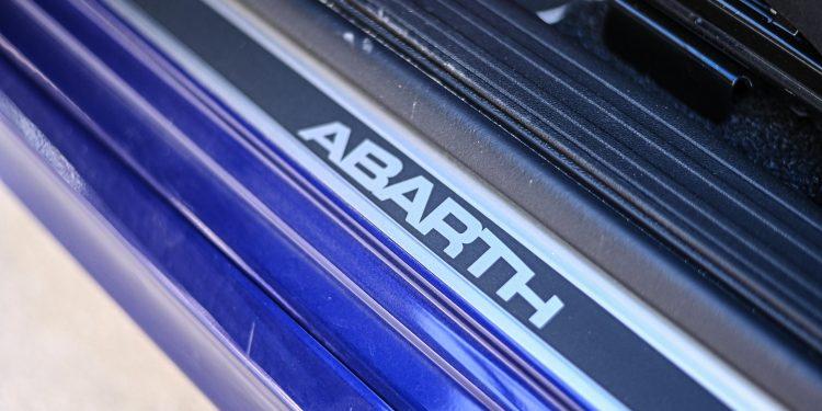 Ensaiámos o Abarth 595 Yamaha com a ajuda da Madalena Simões piloto da Yamaha Motor 7! 48