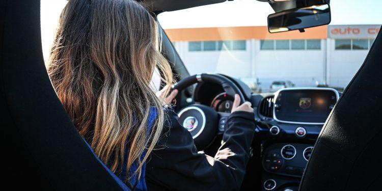 Ensaiámos o Abarth 595 Yamaha com a ajuda da Madalena Simões piloto da Yamaha Motor 7! 64
