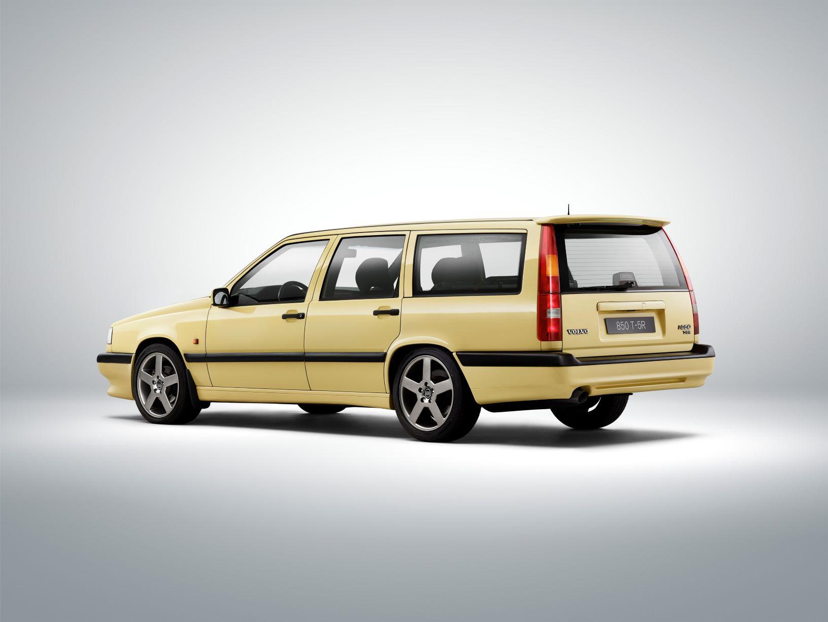 O Volvo 850 celebra este ano o seu 30º aniversário 15