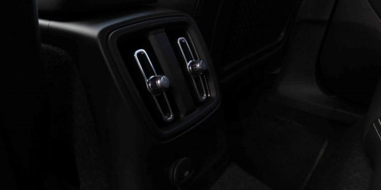 VOLVO XC40 T4 RECHARGE R-DESIGN: Ideal para cada ocasião! 39