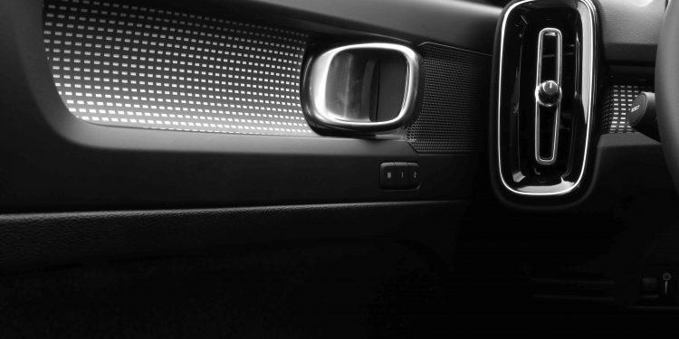 VOLVO XC40 T4 RECHARGE R-DESIGN: Ideal para cada ocasião! 33