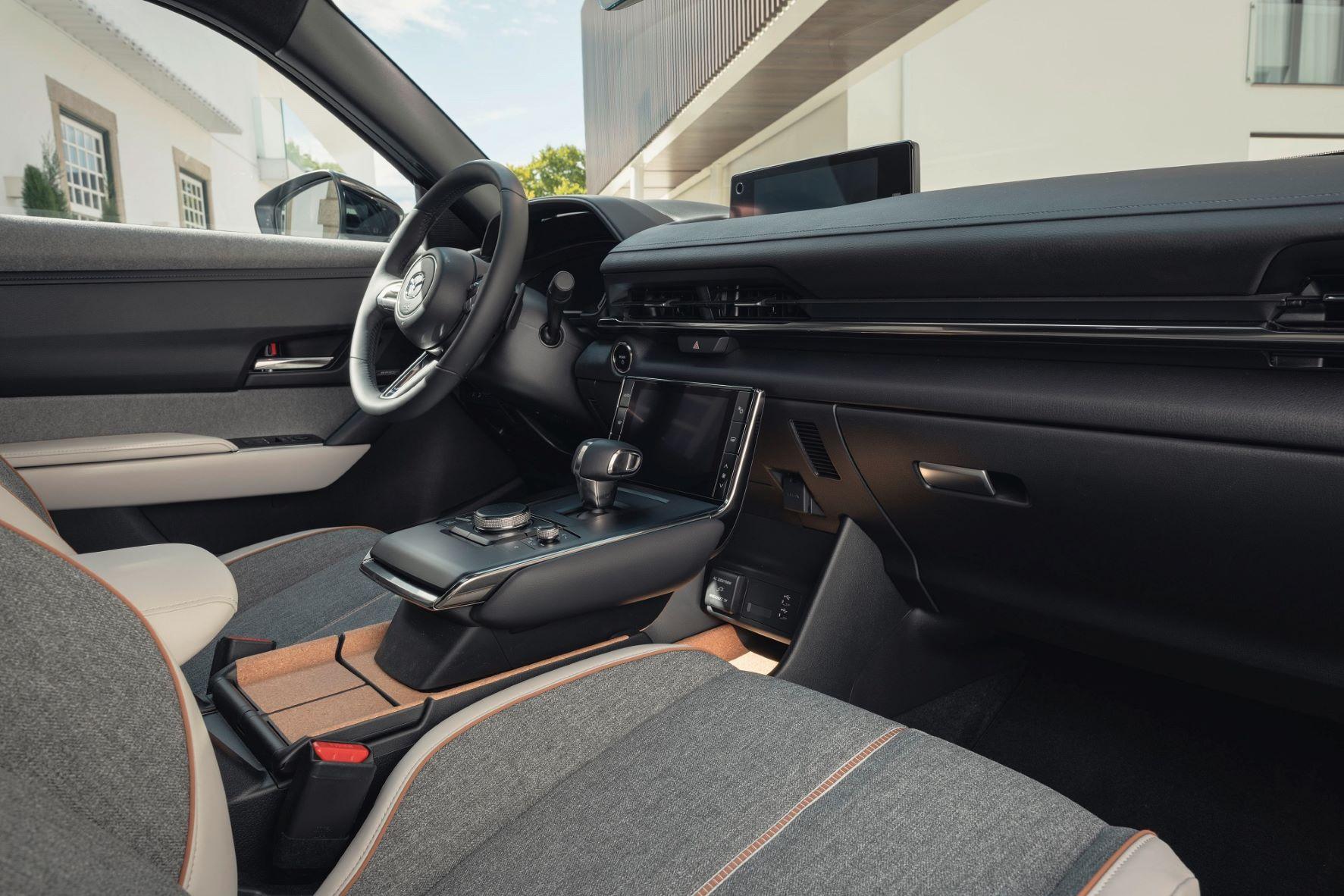 Mazda MX-30 com nova versão Advantage e valores de aquisição imbatíveis 16